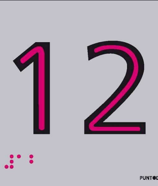 Número 12 en aluminio