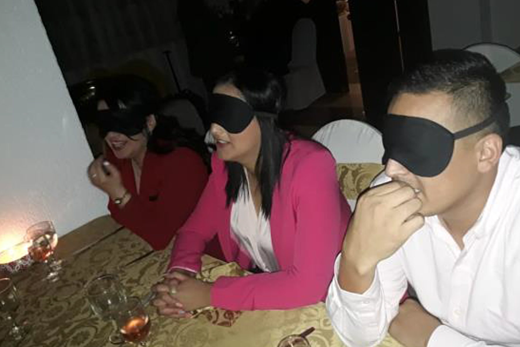 cena-a-ciegas-asistentes